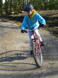 6 mountain bike primary small